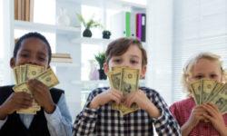 Kids_and_money_623