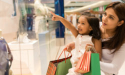 Parent_child_shopping_623